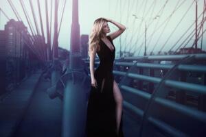 long-black-dress-1388567_1280